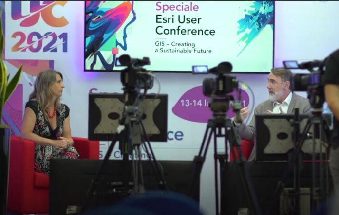 esri user conference 2021 report video